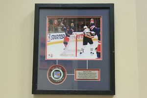 Wayne-Gretzky-New-York-Rangers-Limited-Ed-game-puck-amp-8x10-photo-signed-w-COA