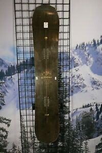 Arbor-Element-161cm-Wide-Camber-17-18-Demo-Snowboard