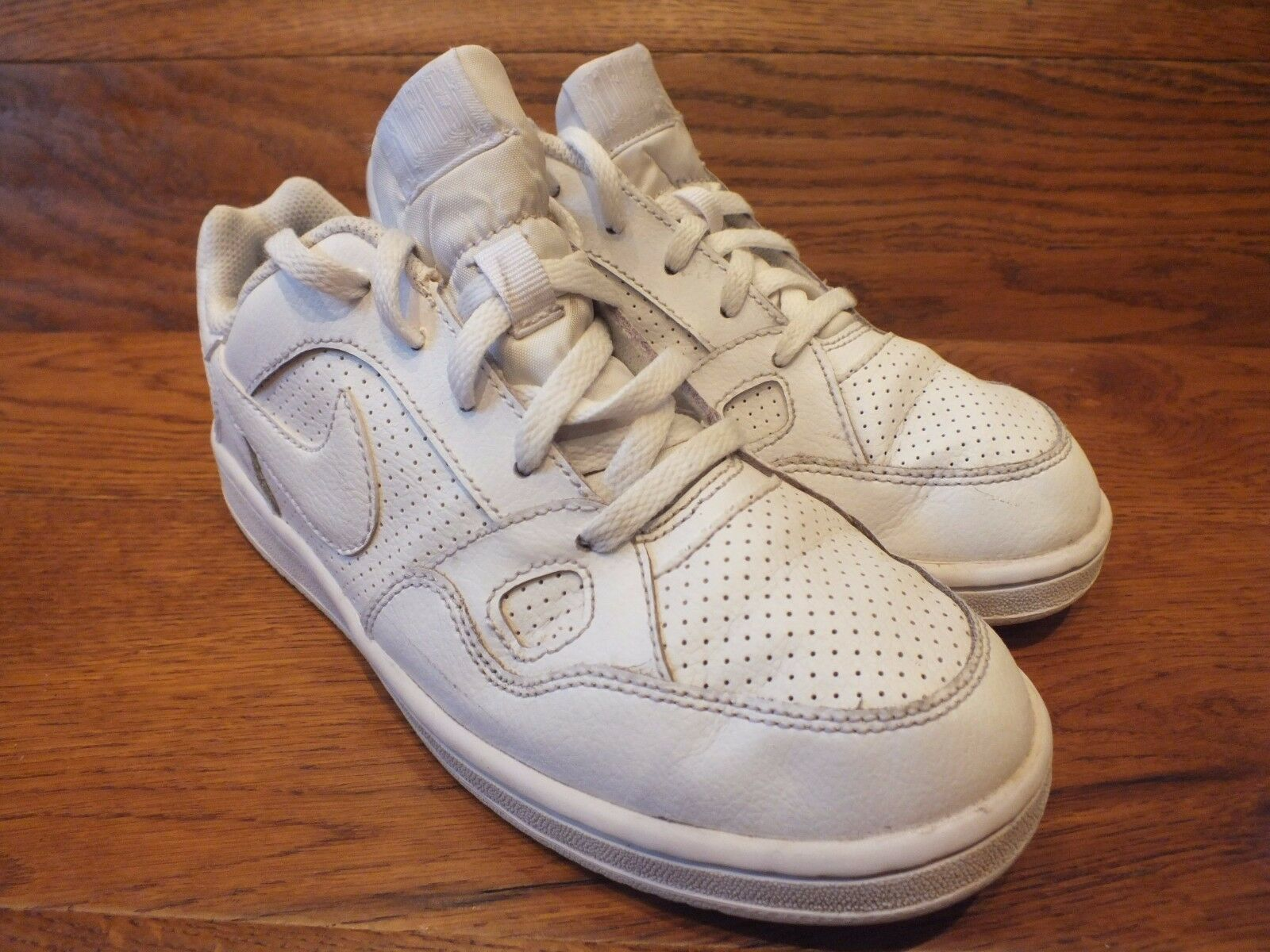 Nike Son Of Force White Leather Casual Trainers  Wild casual shoes