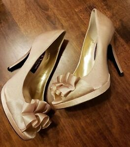 99885c493a6 Nina Evelixa Gold Satin Women s Peep Toe Heels Sz 5.5M Ruffle Shoes ...