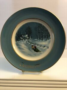 Bringing home the tree, Avon plate christmas 1976, by Enoch wedgwood England