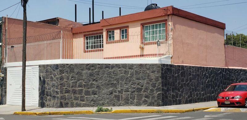 Casa en Azcapotzalco 3 Recamaras Estudio 3 Cajones Jardin
