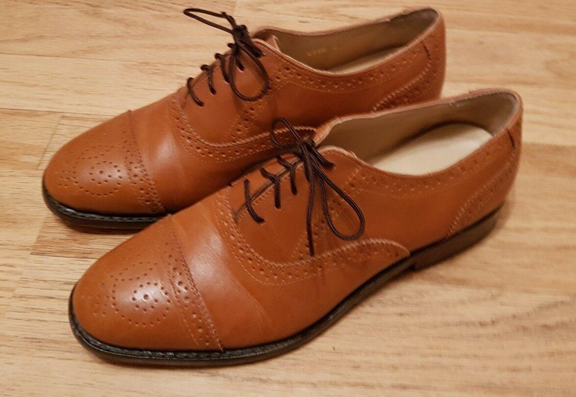 Samuel windsor shoes Size 8 Brown Tan Handmade Leather Brogues.