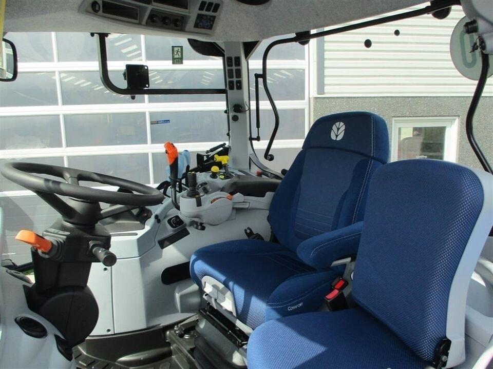 New Holland, T7.165S Med frontlift på, timer 411