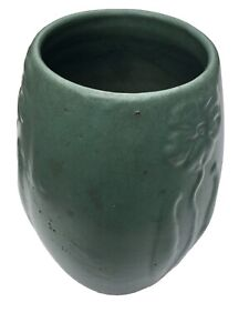 "Vintage Arts & Crafts Zanesville Pottery Flower Motif Vase Matte Green 9"""
