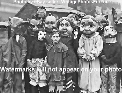 SCARY FREAKY ODD STRANGE Halloween Costumes Men BIZZARE VINTAGE PHOTO WEIRD A17