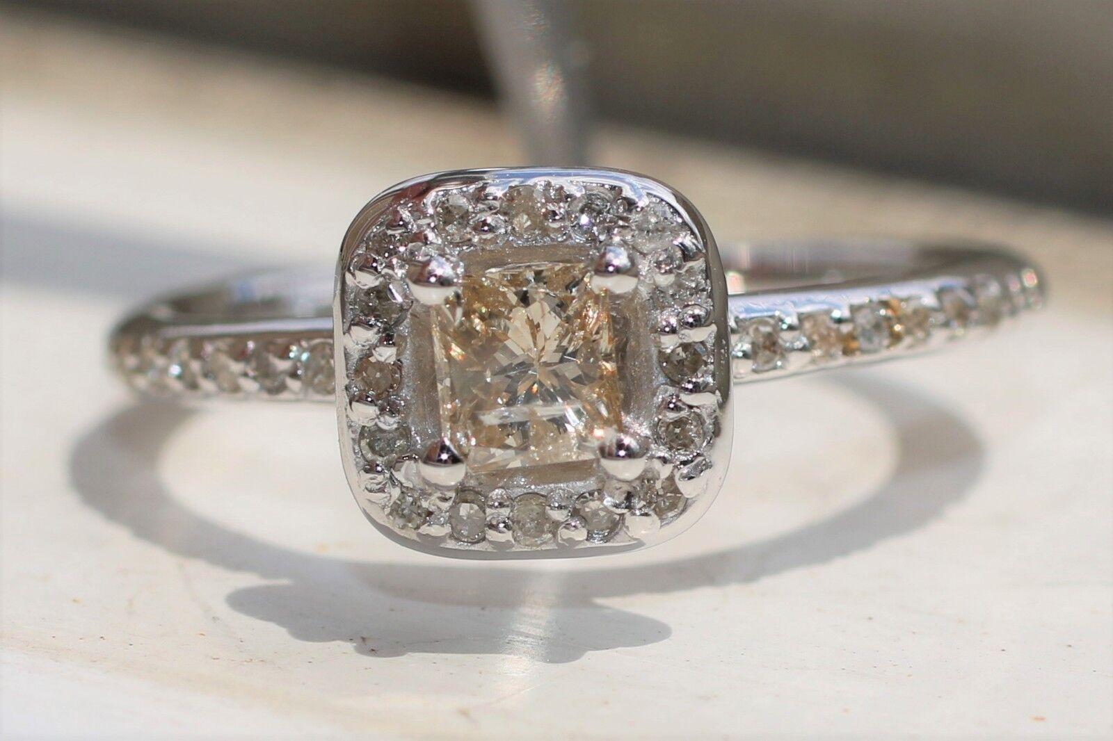 0.47 CTW Light Champagne Princess Diamond Halo Engagement Ring 14 Karat gold