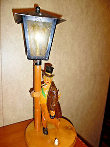Details About ANTIQUE TABLE LAMP CARVED WOOD DRUNK ON A LAMP POST