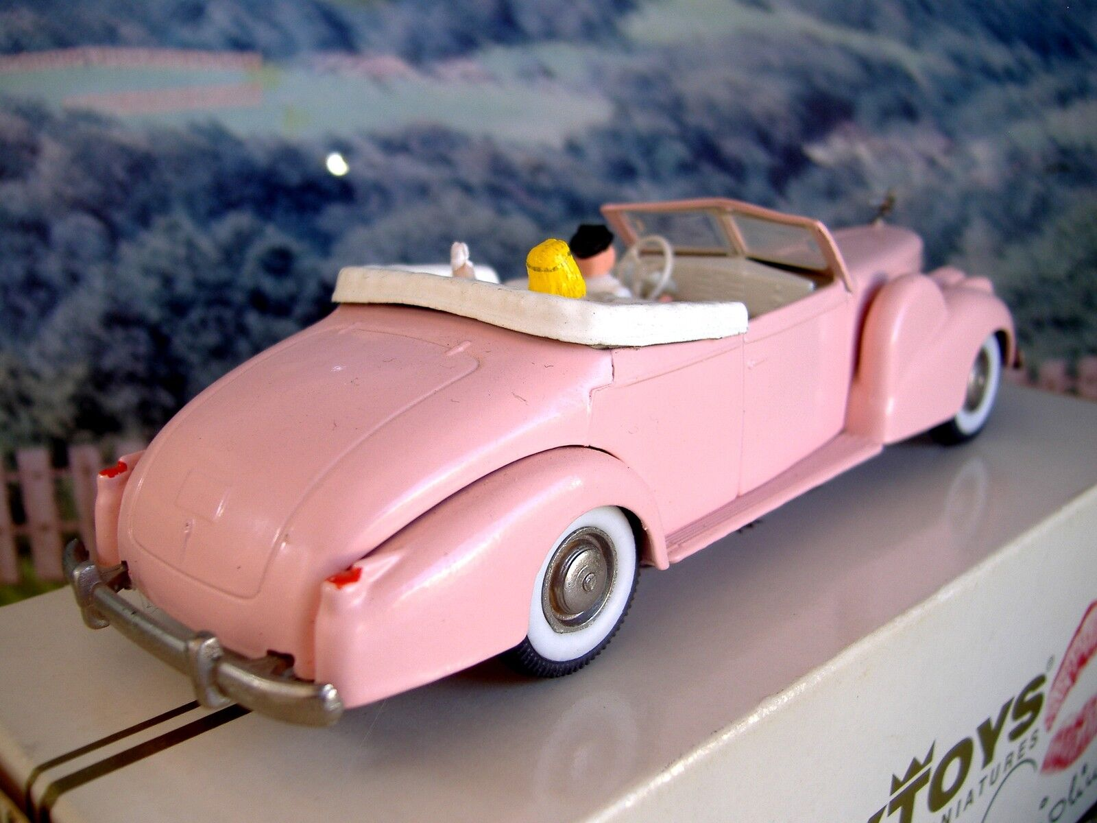 1 43  Rextoys (Portugal)    1938-1940 Cadillac V 16 with figures 39e5db