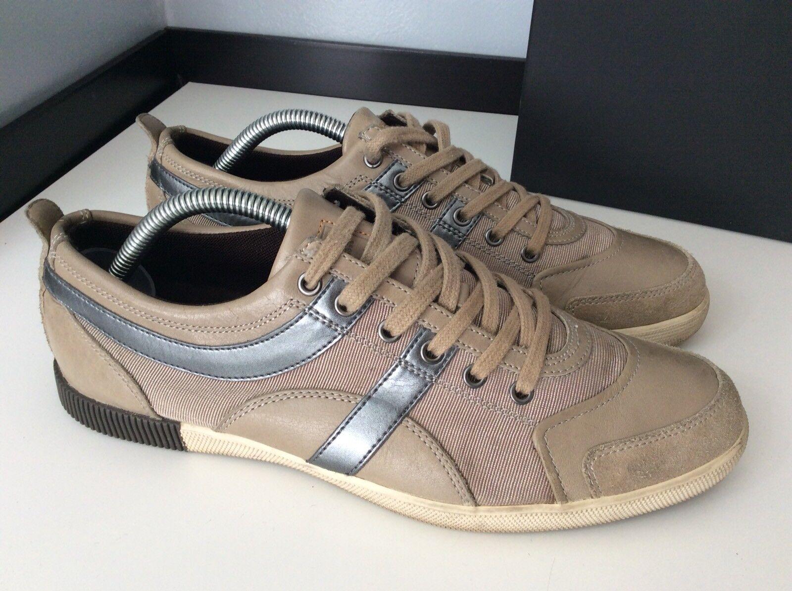 Hugo Boss Zapatillas zapatillas Talla 41 Reino Unido 7 en muy buena condición en caja