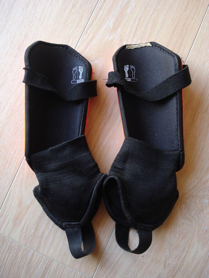 Benskinner, Single strap closure plus ankle sock, Adidas
