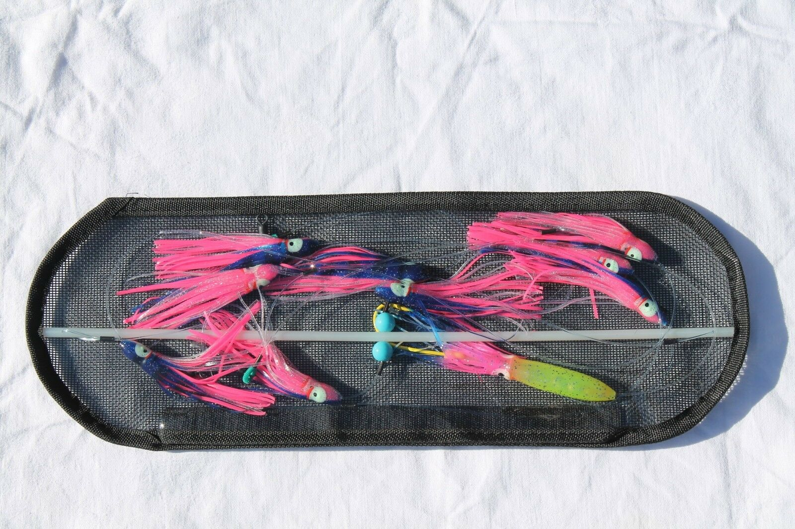 18-inch Flexible Spreader Bar w  blueE and PINK Squids, Hook Lure and Storage Bag