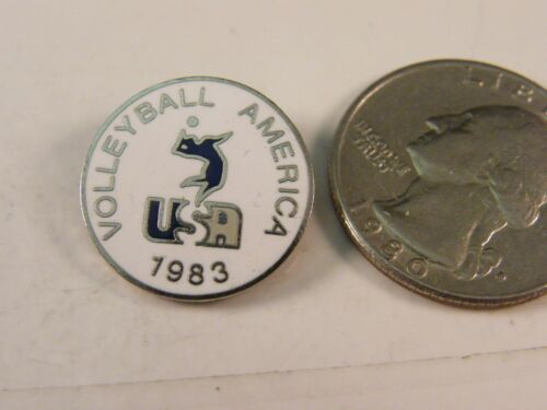 1983 USA VOLLEYBALL AMERICA PIN