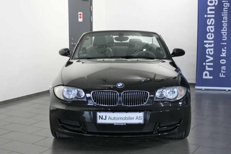 BMW 120i 2,0 Cabriolet Benzin modelår 2009 km 106000 Sort