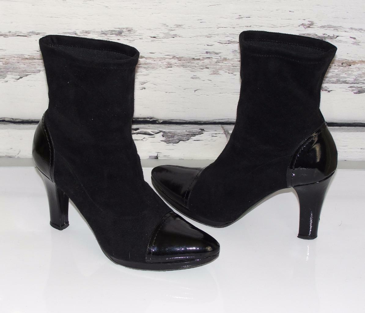 DONALD J PLINERPATENT LEATHER POINTED CAP TOESSTACKED HEELSANKLE BOOTS8.5