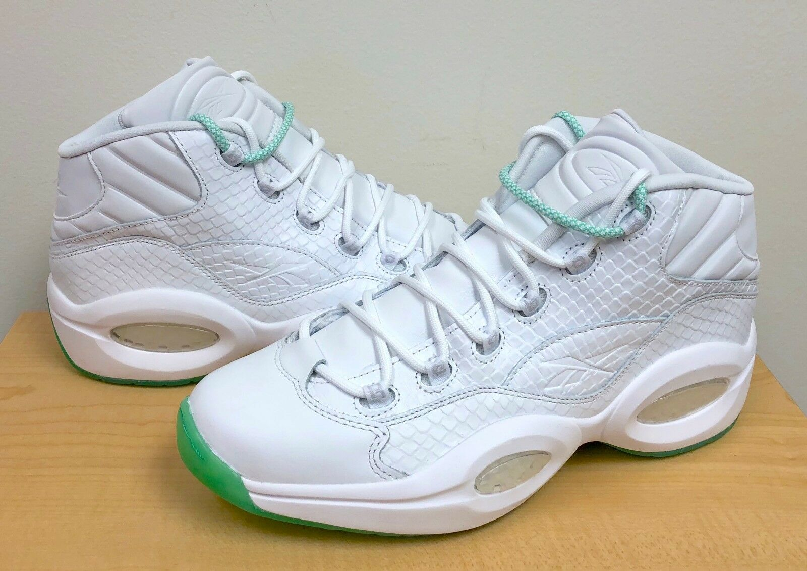 eacd5304f663 Reebok Question Mid White pearlized Red 79757 Men s Sz 11.5 for sale ...