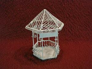 O-SCALE ORNATE METAL GAZEBO - CREAM COLOR