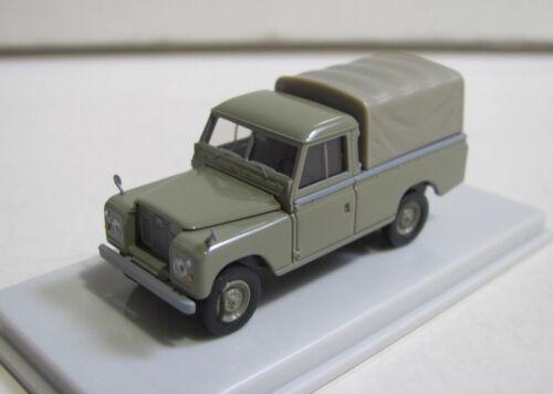Starmada 13778 Land Rover 109 in grün 1:87 H0 NEUWARE OVP Brekina