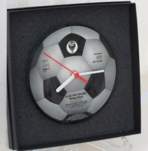 Choice-of-Style-FOOTBALL-THEMED-CLOCK-7-034-Vinyl-Record-PICTURE-DISCS-Gift-Box
