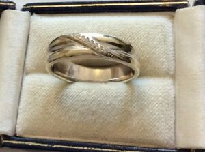 Lovely-Quality-Gents-Full-Hallmarked-Solid-9CT-White-Gold-Diamond-Band-Ring