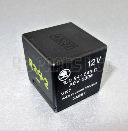 Skoda Ocativa Verrouillage Central /& Alarme Noir relais 1U0941243C 6-Pin AEV0306