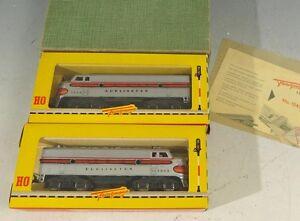 S-16572-Neuwertige-Fleischmann-Burlington-Lokomotive-1343-und-1344-im-Ori