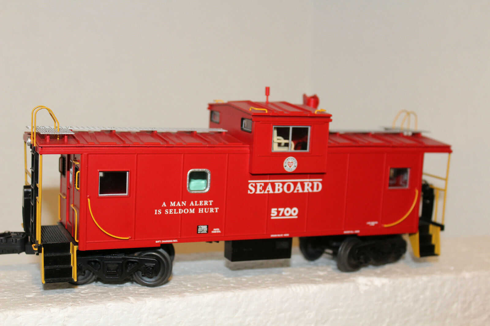 Lionel  17660 SEABOARD EXTENDED VISION  Caboose