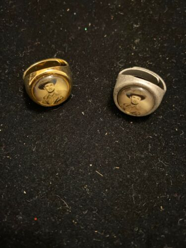 GENE AUTRY KIDS ADJUSTABLE RING 1960/'S GUMBALL RING,VINTAGE SET OF TWO