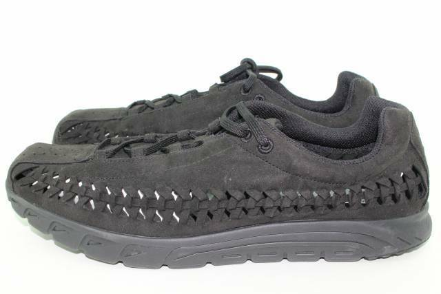 NIKE MAYFLY WOVEN MEN SIZE 11.5 BLACK BLACK NEW LIGHT WEIGHT COMFORTABLE RARE