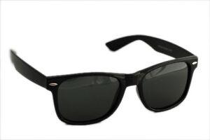 Sunglasses in Wayfarer style In Black.. 200plus sold(Goggles)