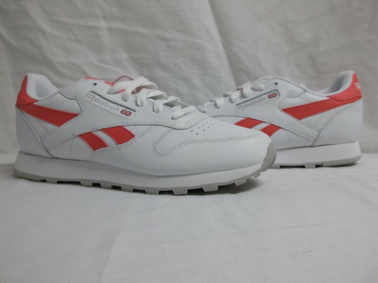 Reebok Size 5 M Classic Leather Pop White Running Sneakers New Womens Shoes NWOB