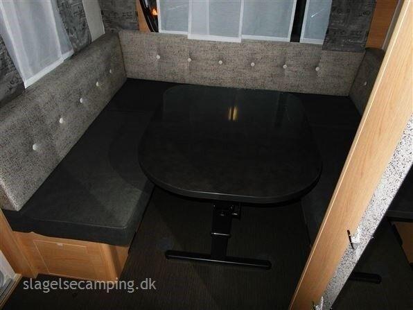 Hymer LIVING 555 XL, kg egenvægt 1355, kg totalvægt 1800