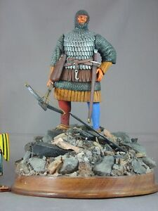 Details about Medieval Man-at-arms armor 120mm model figure knight wood  stand diorama crossbow