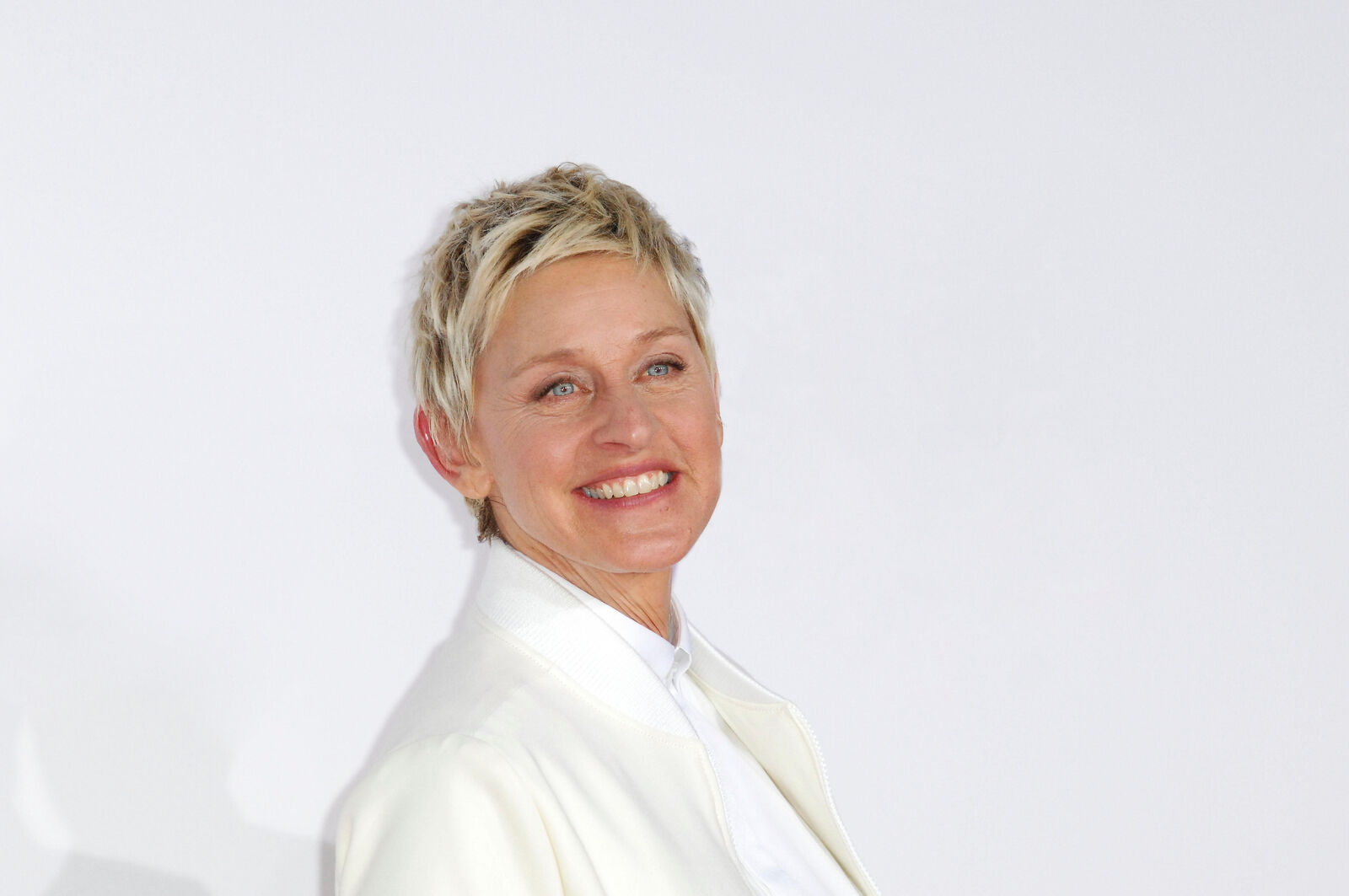 ellen degeneres tickets ellen degeneres tour dates on stubhub. Black Bedroom Furniture Sets. Home Design Ideas