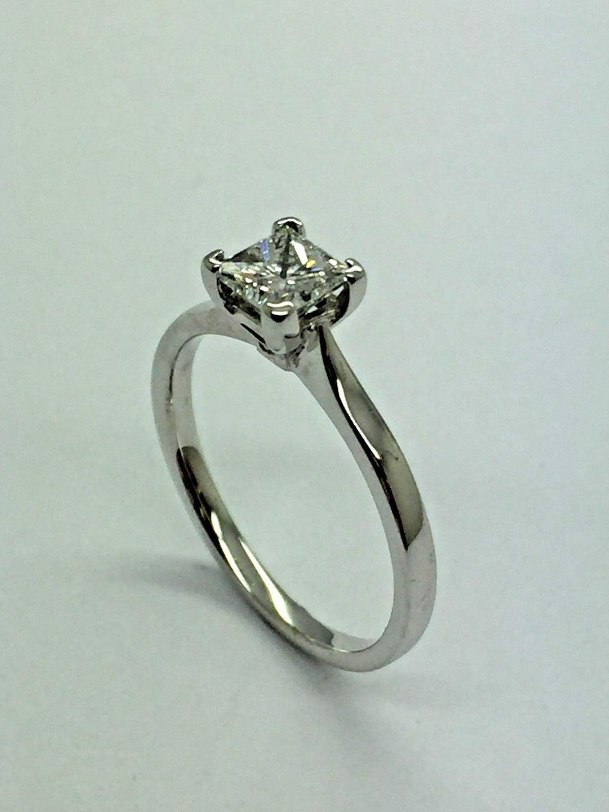 18ct White gold Princess Cut Diamond Engagement Ring - 0.51ct