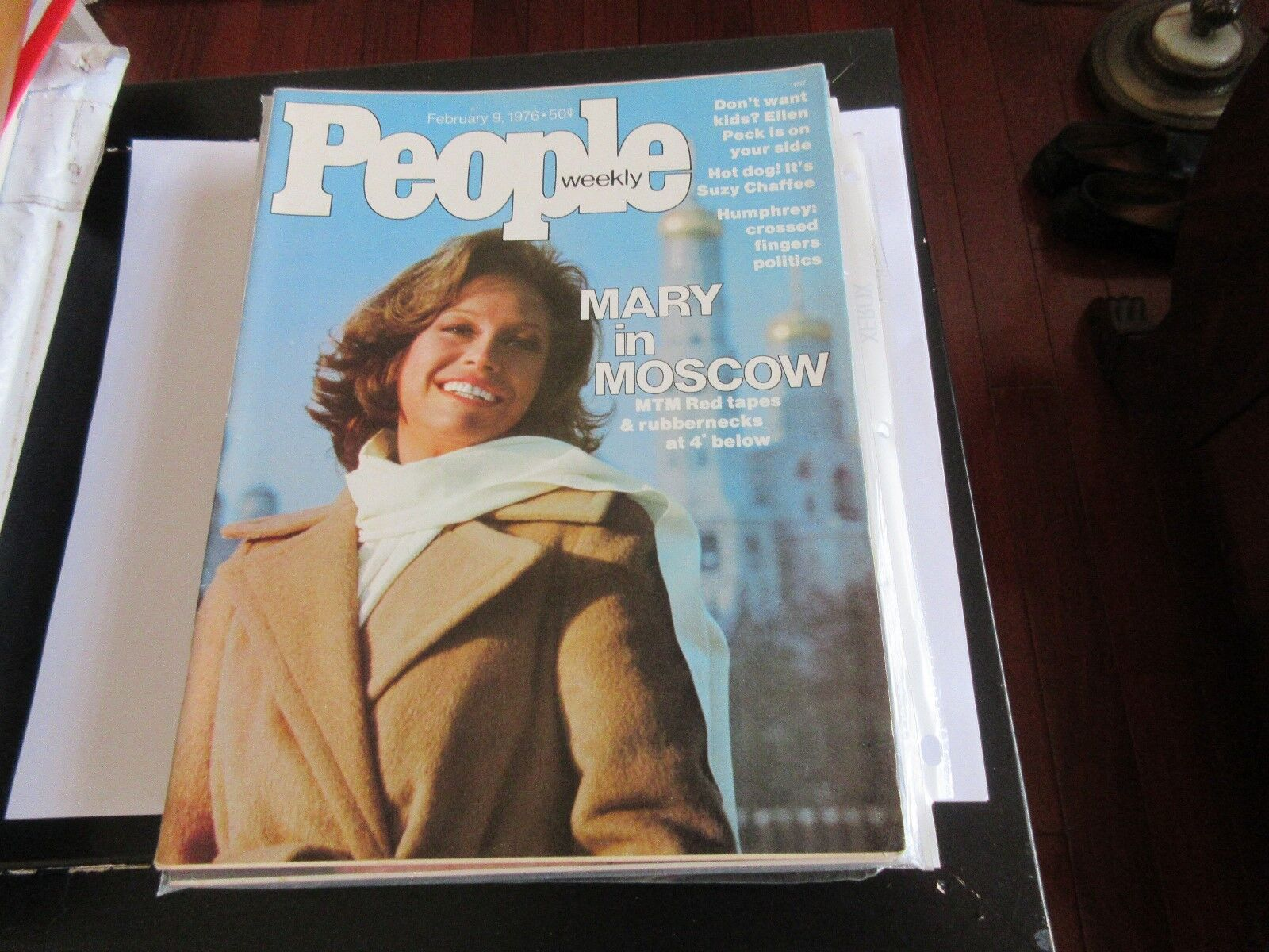 Mary Tyler Moore , People Magazine , 2/9/76 , Suzy Chaf