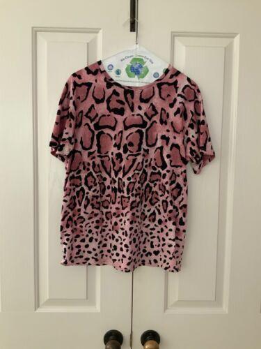 AUTH Gucci leopard t shirt. SZ S.
