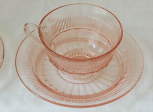 Coronation-Pink-Cup-Saucer-Anchor-Hocking-5-Sets-10-Pieces-Total