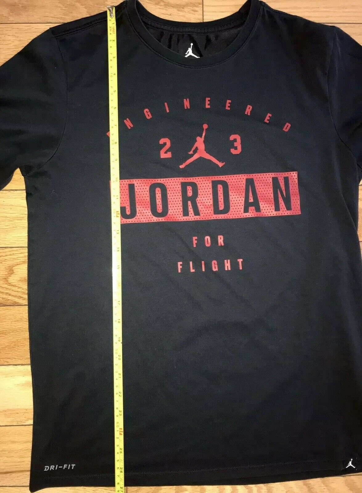 Jordan Boys Reveal Crew Neck Short Sleeve T-Shirt Black 954344-023 Size M NWT