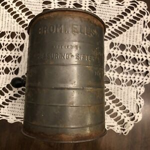 Vintage Bromwell's Measuring Flour Sifter   3 Cup   Galvanized Metal Wooden Knob