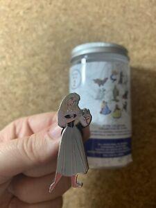 Aurora-Disney-Ink-amp-Paint-Series-2-Mystery-Blind-Box-Pin-Briar-Rose-Sleeping
