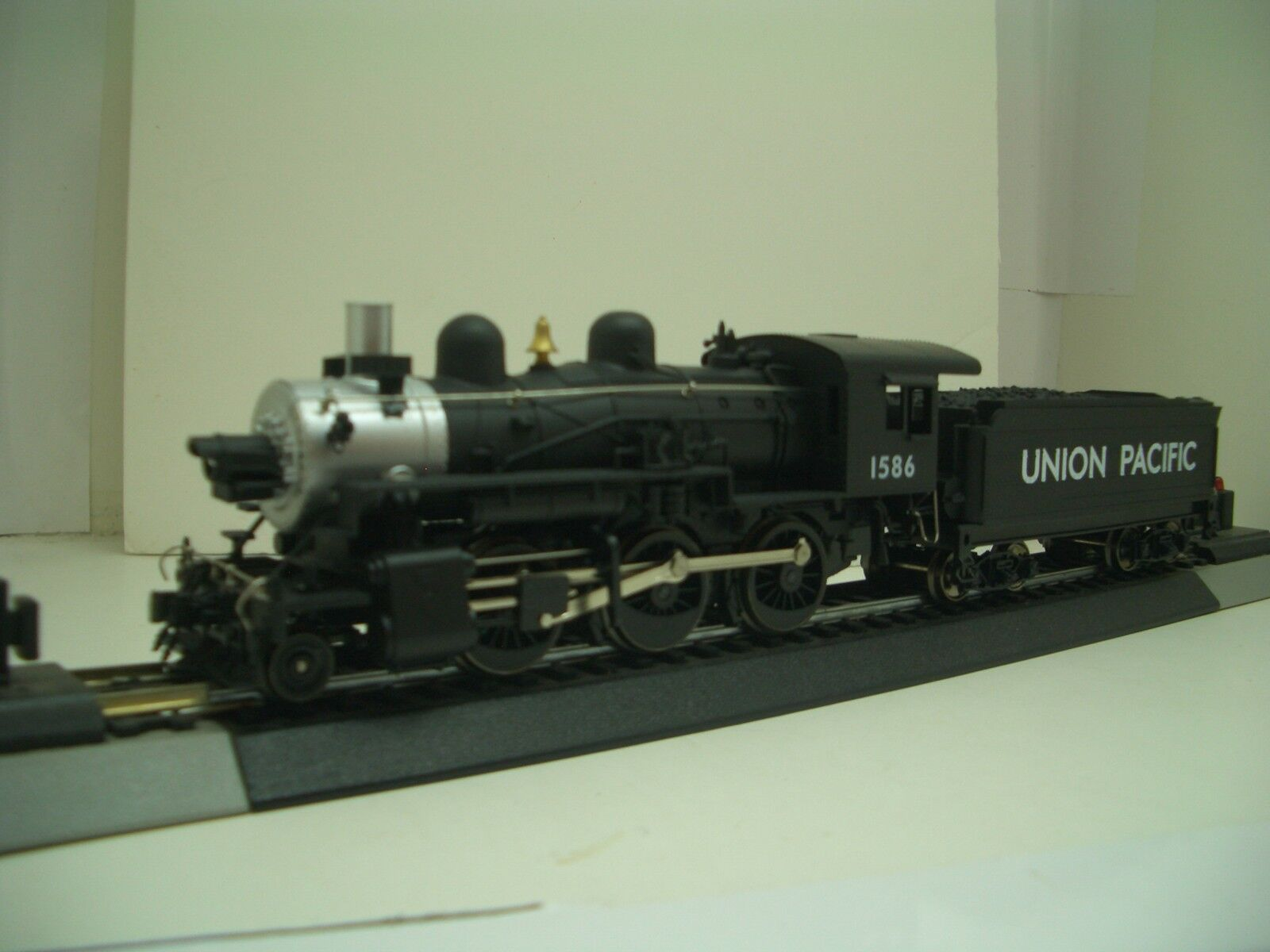 HO MEHANO TRAIN LINE UNION PACIFIC DCC READY 260 MOGUL   M4889