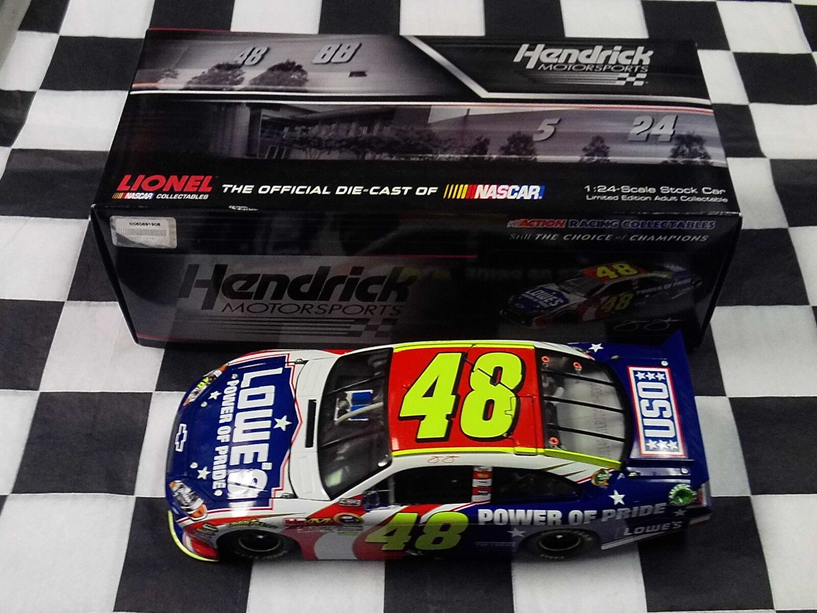 Jimmie Johnson  48 Faiblee's Power Of Pride  2011 Impala 1 24 Action nouveau IN BOX NASvoiture  en ligne pas cher