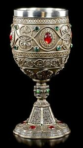 The-Holy-Grail-Chalice-With-Jewellery-Stones-Decorated-Veronese