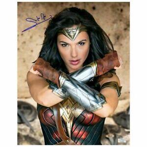Gal-Gadot-Autographed-Wonder-Woman-Princess-Diana-11x14-Photo