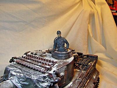 Heng Lunga Tedesco Panzer/tiger Commander Figura 1/16.-mostra Il Titolo Originale Prendiamo I Clienti Come Nostri Dei