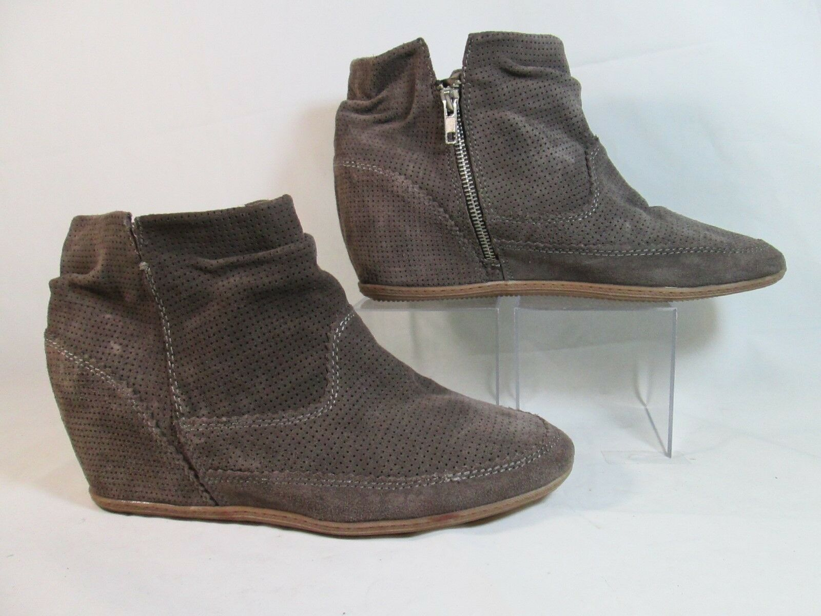 DV by Dolce Vita KEEBLY Perforated Leather Hidden Wedge Slouch Bootie Gray Sz11M