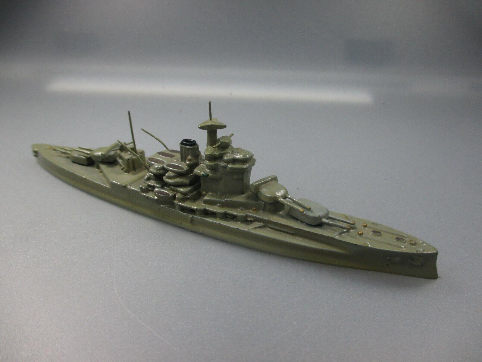Wiking  Battleship  VAILIANT  AZB Gold colours (no 10 NH5)