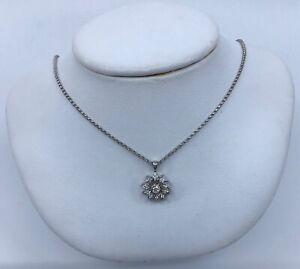 14k-White-Gold-Diamond-Flower-Pendant-Necklace