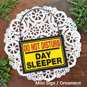 Mini-Sign-DO-NOT-DISTURB-Day-Sleeper-Fits-over-Door-Knob-night-worker-swing-USA